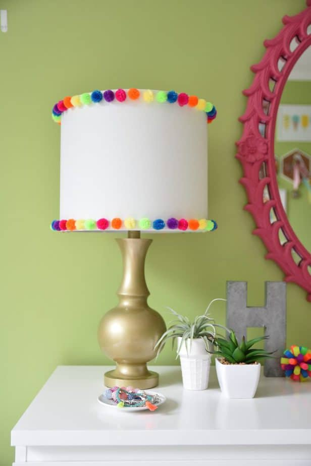 easy diy pom pom lamp
